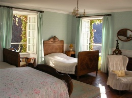 inta tours chateau bedroom normandy guided tours